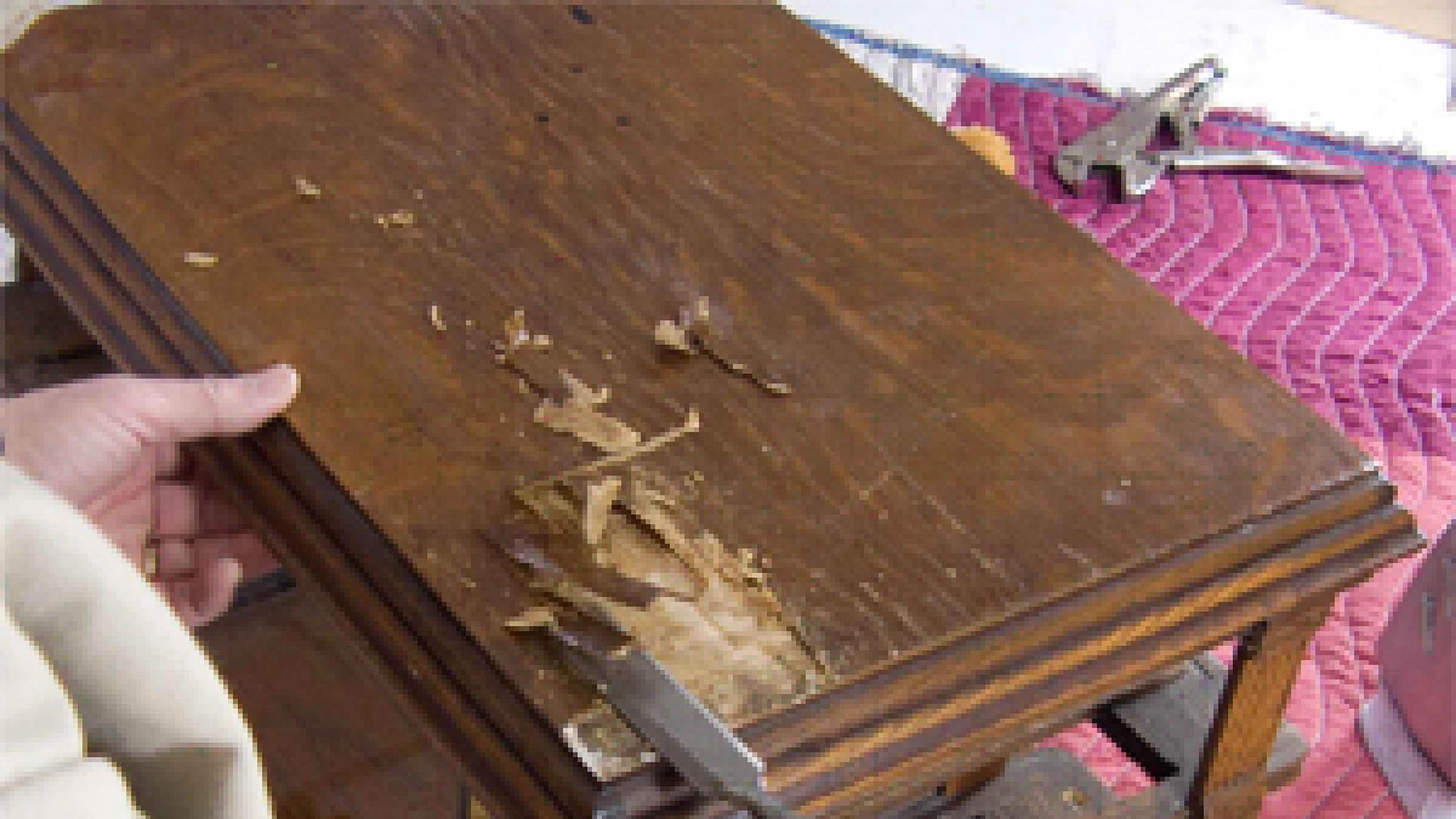 Woodworking Restoration Guide - Repair Veneer on an Antique