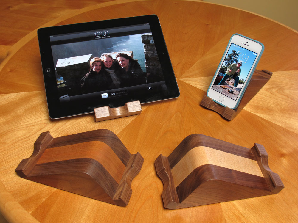 wooden-iphone-stand-ipad-stand