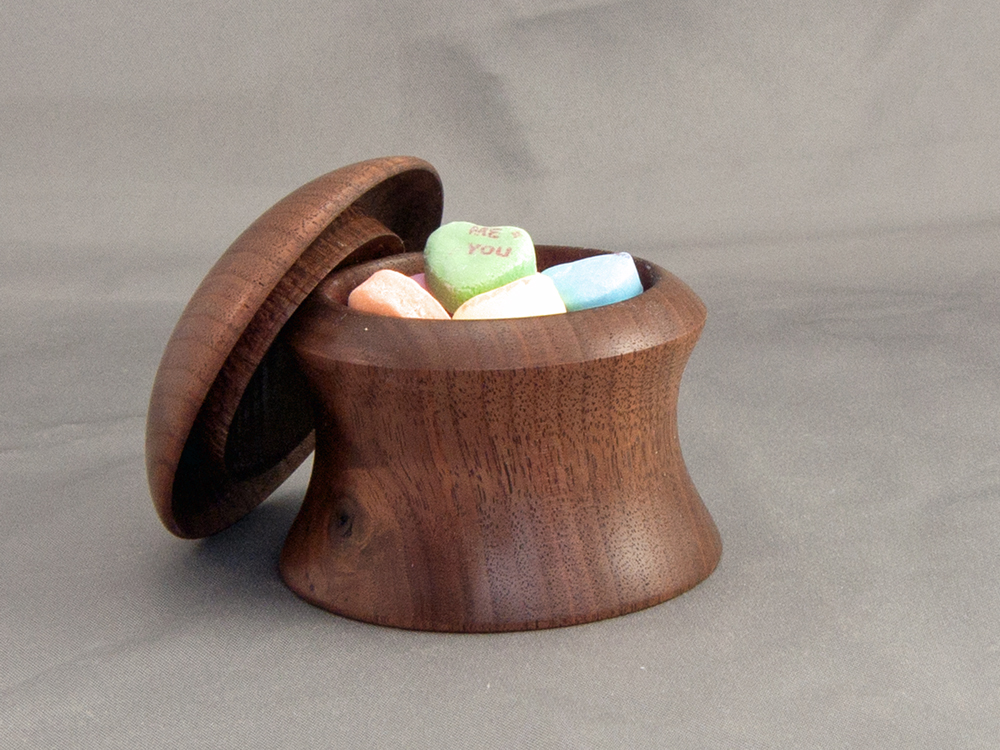 Walnut Lidded Box LEDE2