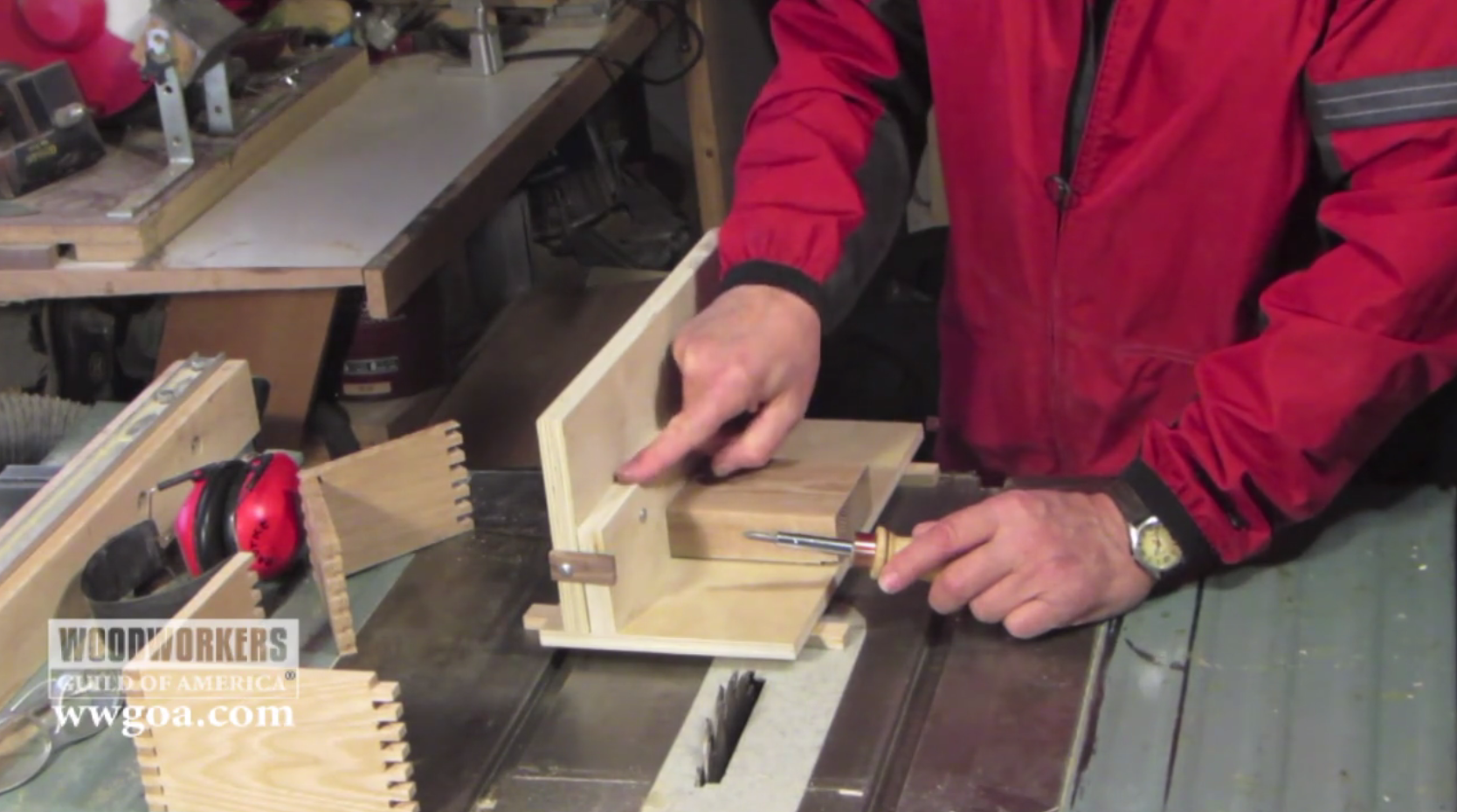 Box Joint Jig Video How To Make A Box Joint Jig For A Tablesaw