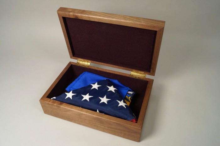 Flag box 2